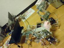 (補助輪つき)二足歩行ロボット